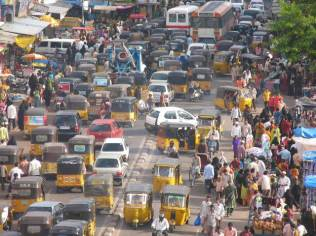 india_hyderabad_traffic_jam_rush_nervous_pollution[1]